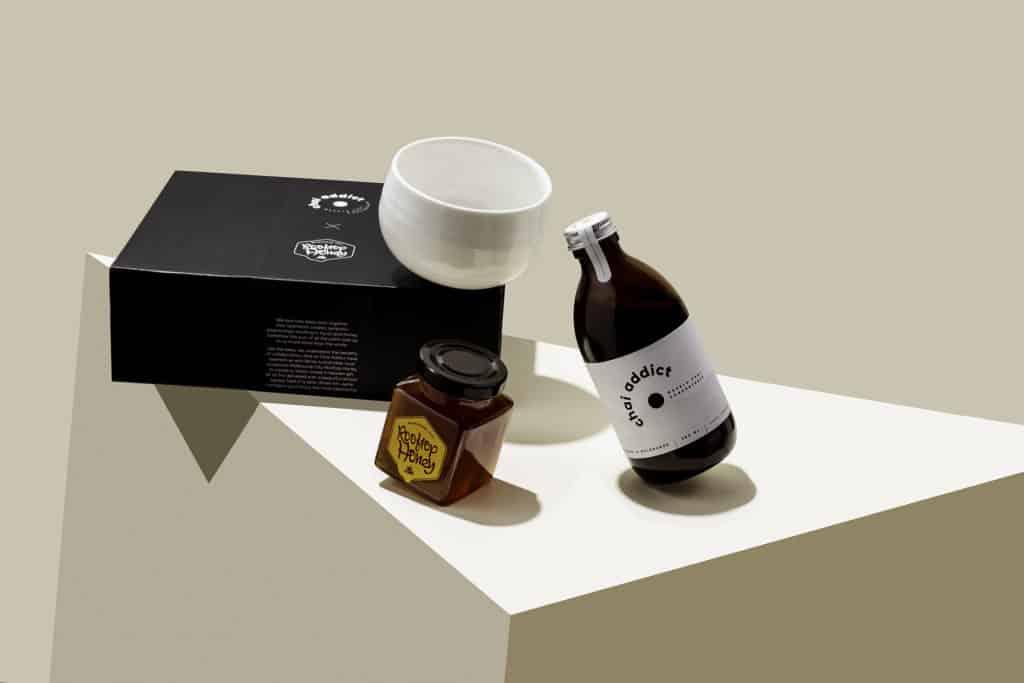 gift box, chai addict, honey, white cup, aritistc