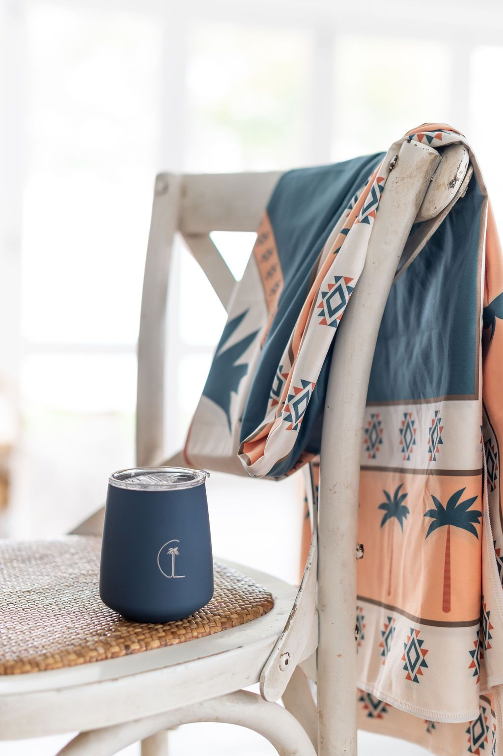 caye life cup with throw